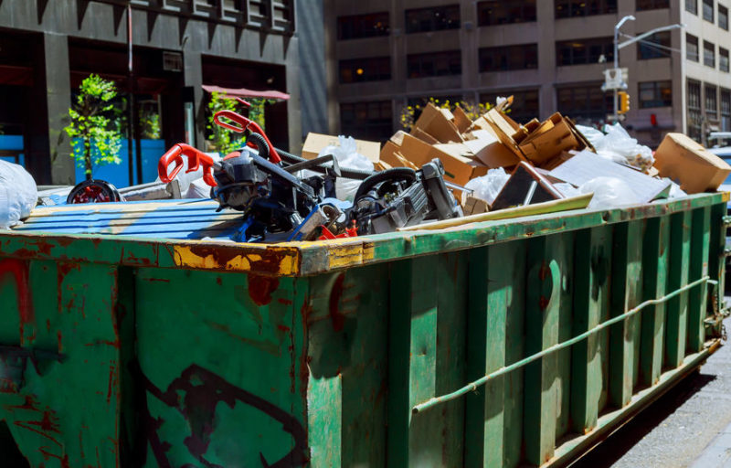 Reasons why you should use a dumpster rental service for your cleaning.
