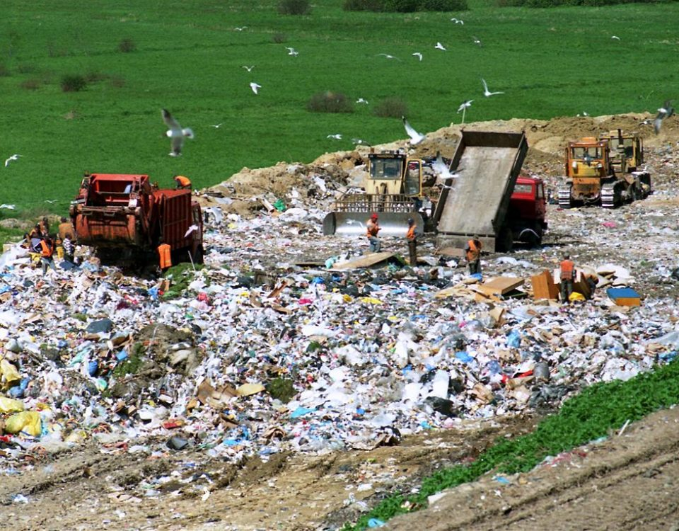 Why a dumpster rental is better than going to a landfill